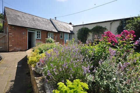 Stunning Self Contained Garden Barn Conversion