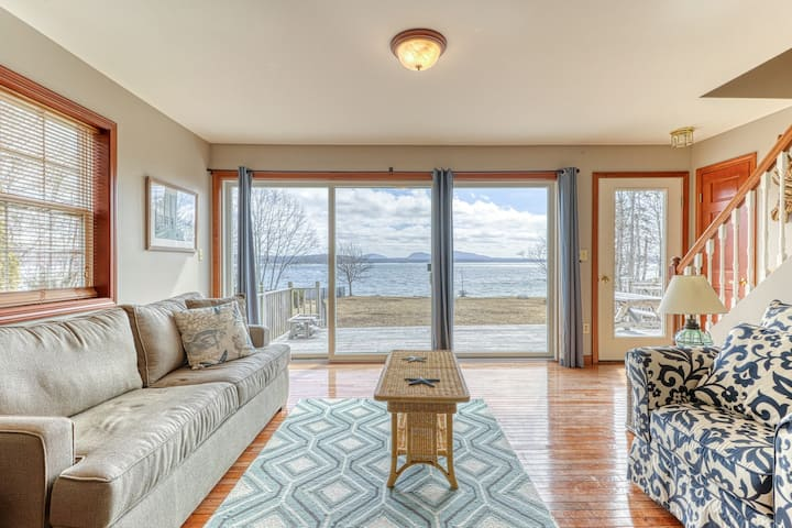 Oceanfront Home w/ Gorgeous Views, Pebble Beach, Private Washer/Dryer, & WiFi