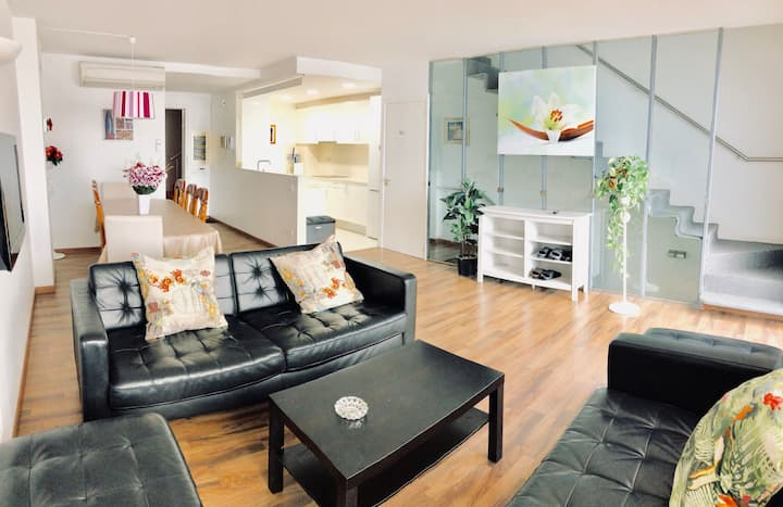 Sants station  Duplex Apartment for 6-10 persons