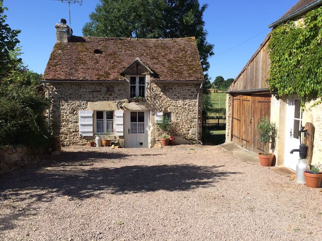 Delightful Country Cottage - Brieux - Hus