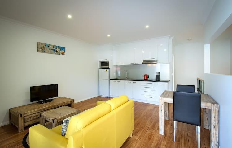 PELICANS ALBANY  1 x1 Premium Apartment