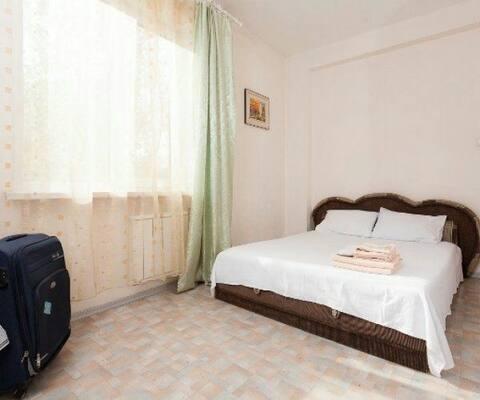 1 Bedroom Apartment Near