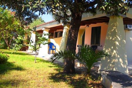 """Villa a 800 metri dal mare """"B"""" - Orosei"""