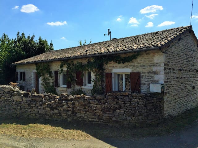 2 Bed Cottage Private Pool Orchard - Messé - Haus