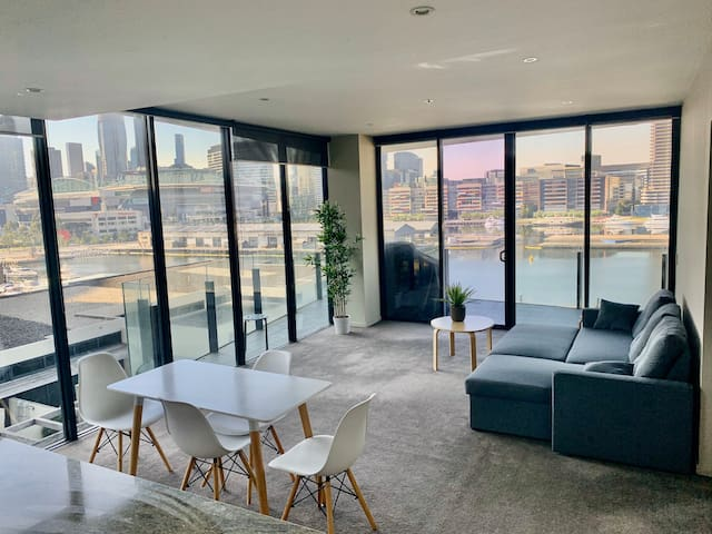 Amazing view and cozy house in Docklands CBD