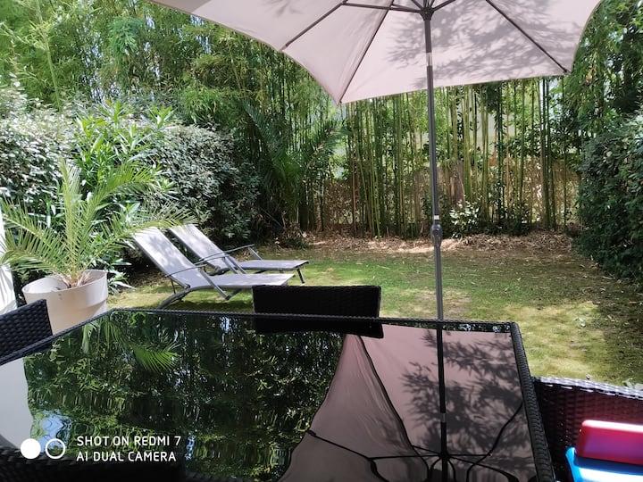 Jardin PRIVé, WIFI - Forêt à pied- 3 min plages,