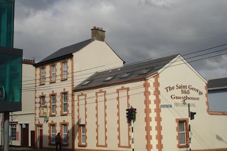 St George Guesthouse, Wexford - Bed & Breakfast