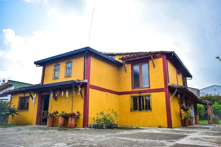 Calida Habitación Privada 1 en casa campestre