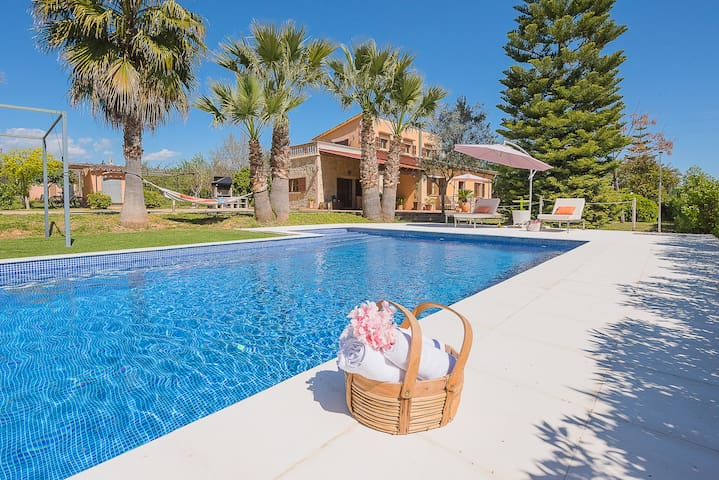 """Villa """"Ses Pereres"""", 8 pax, salt pool, Wif"""