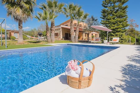 """Holiday House, """"Ses Pereres"""", 8 pax, pool, Wifi"""