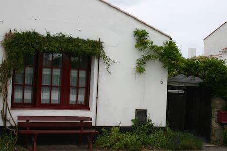 Chambre simple et sympa - 1 lit double - Noirmoutier-en-l'Île - Bed & Breakfast