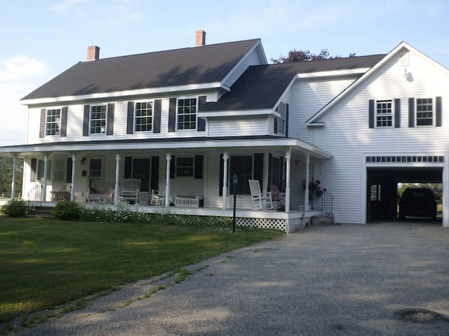 Beautiful Country Farmhouse - Bridgton - Byt