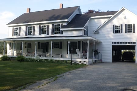 Beautiful Country Farmhouse - Bridgton - Apartment