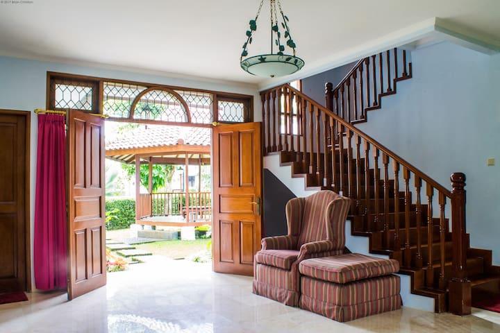 Rancamaya Estate - Jasmine 2 No. 174 - Bogor - Villa