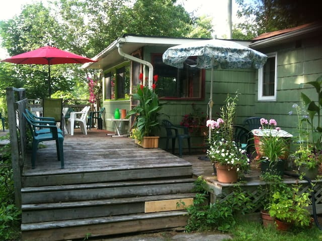 Cozy Cottage in Ridgeway, Ontario - Fort Erie - House