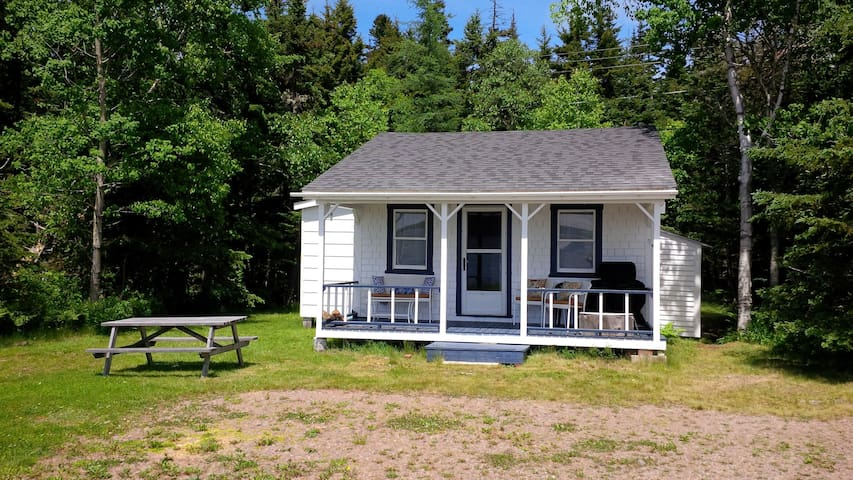 Cottage on Spectacular Bay of Fundy - Parrsboro