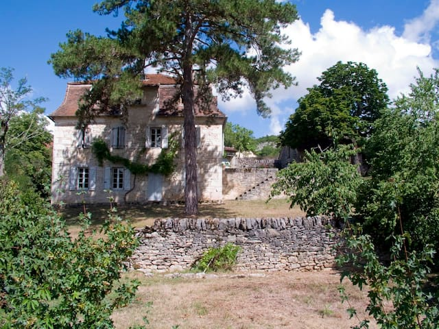 18th century house, fantastic view - Brengues - Hus