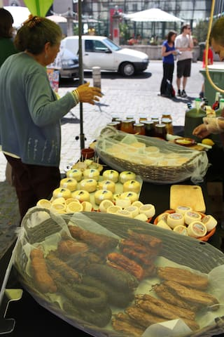 Street market near Alfama