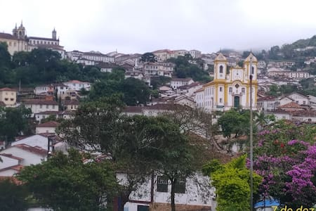 Casa Central IV (OURO PRETO - MG)