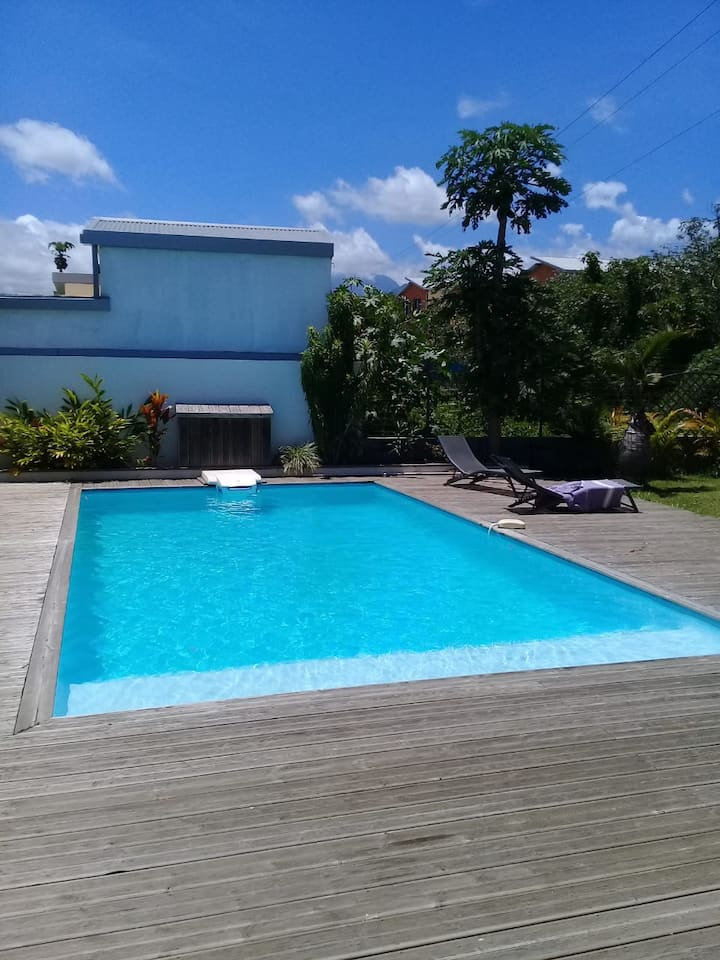 Villa spacieuse avec piscine. St-Pierre.