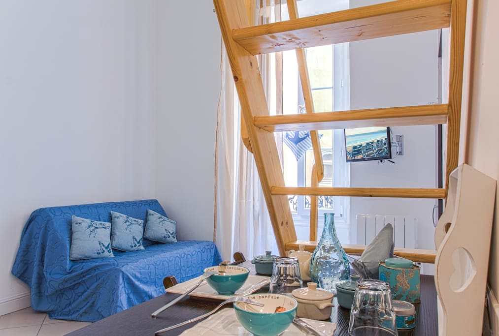 cozy duplex gare nice ville 15 appartements avec. Black Bedroom Furniture Sets. Home Design Ideas