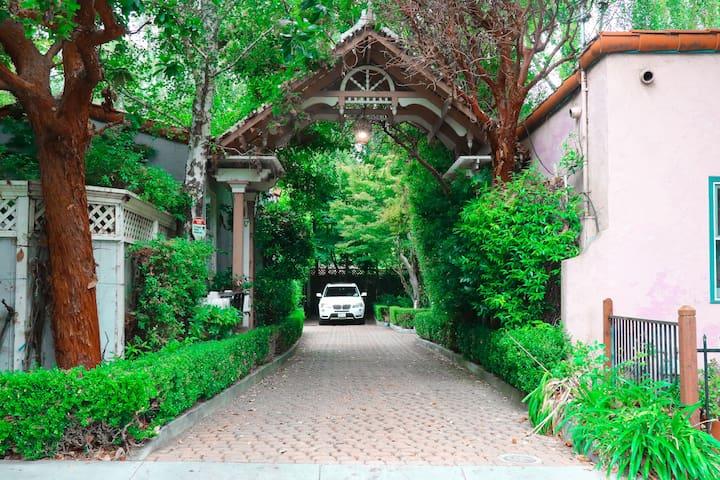 OCTOBER HUGE DISCOUNT Santa Cruz VICTORIAN Home