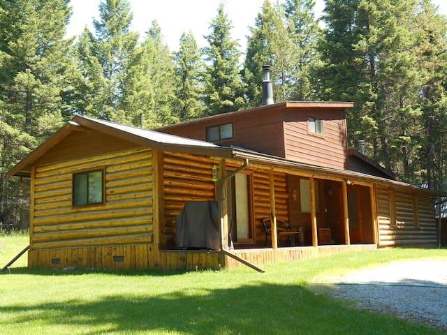 Secluded, 2 Bedroom Log Cabin - Kila - Casa