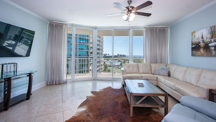 Stunning Unit with Bay and Gulf Views | Complimentary Boat Slip w/ Every Stay!