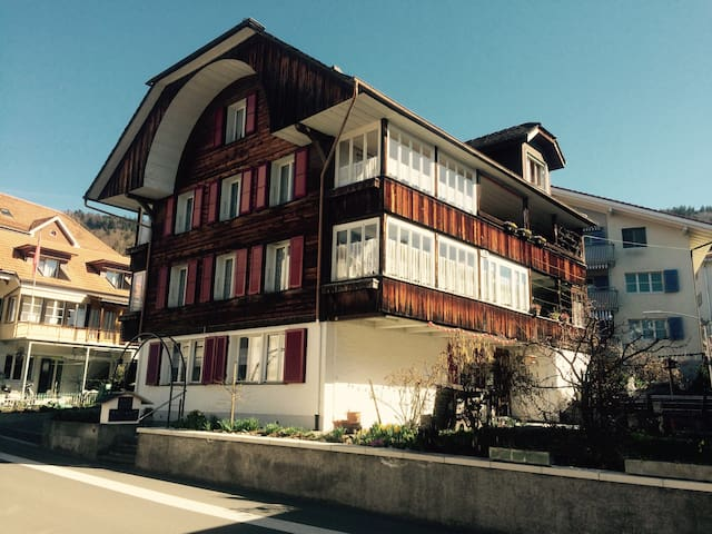 Doppelzimmer am Thunersee - Hilterfingen - Bed & Breakfast