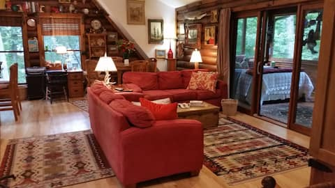 Aerie Cottage - in the heart of Chain o' Lakes