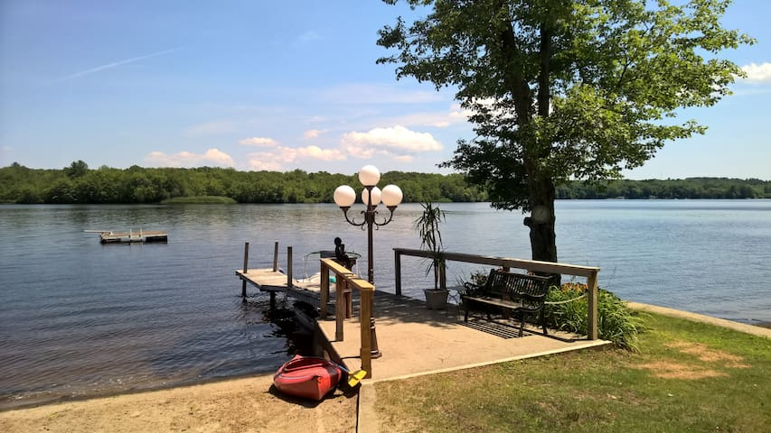 Waterfront Retreat at Lake Pachaug - Griswold