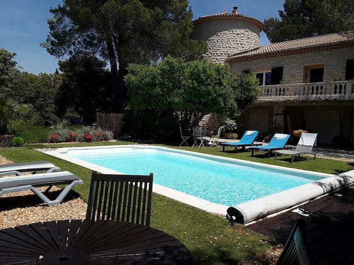 Gute Ausstattung für dieses Haus im Luberon, beheizter Pool
