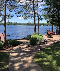 Beautiful Lake Home on 18 hole Golf Course -
