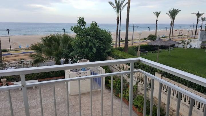 Apartamento en 1º línea de playa Muchavista  WIFI