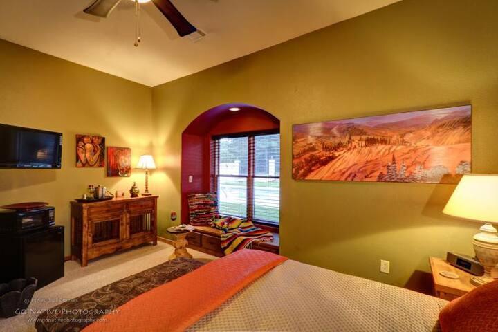 Santa Fe Guestroom 2-Nt Min 21+only