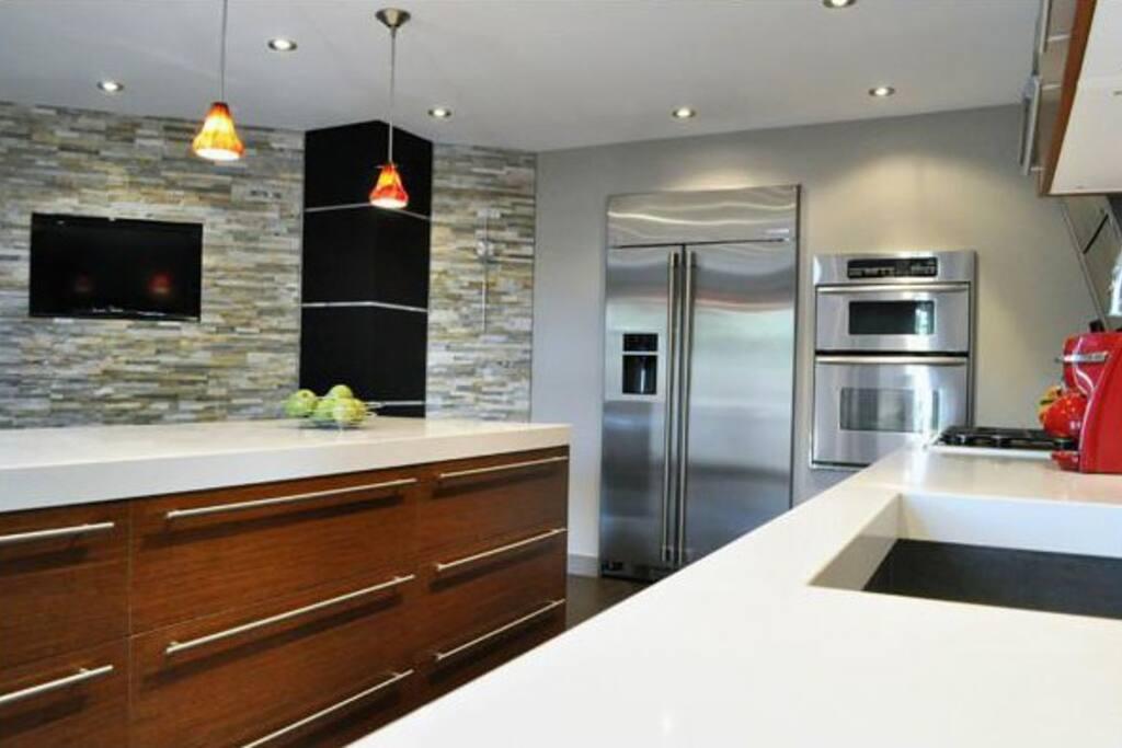 Room For Rent In Dundas Hamilton
