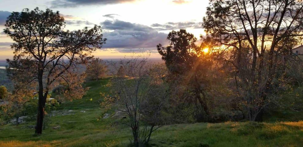 Hawks Nest Retreat, Yosemite, Casinos and more