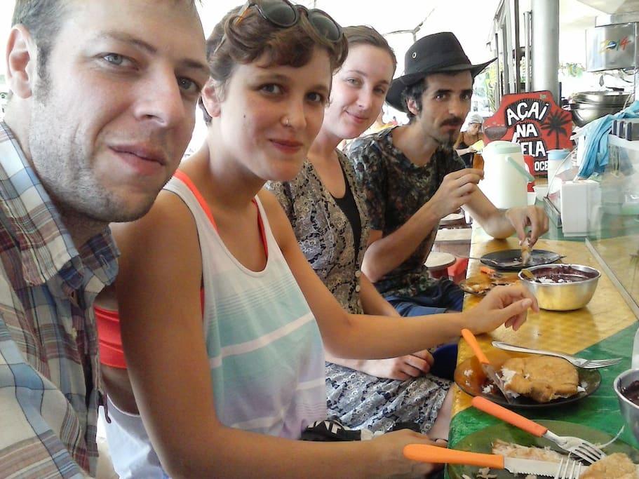 Tomar aquele açai com peixe frito no famoso VER O PESO!