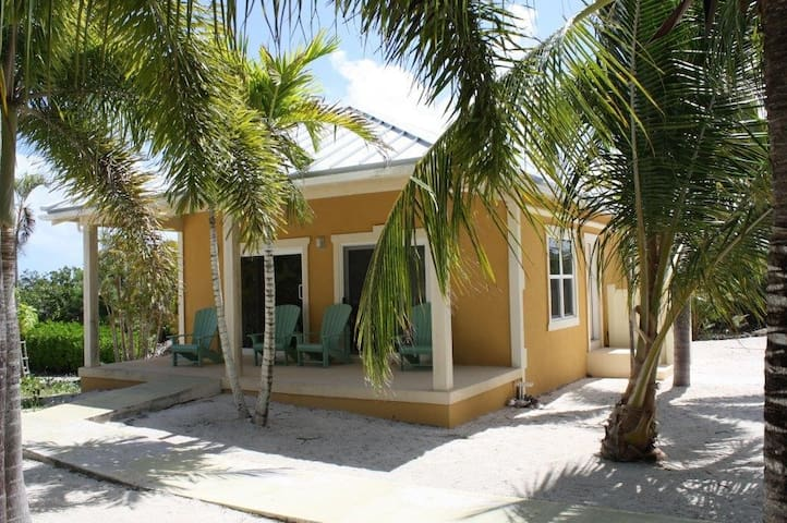 """Sun Kissed"" Bungalow - North Caicos - House"