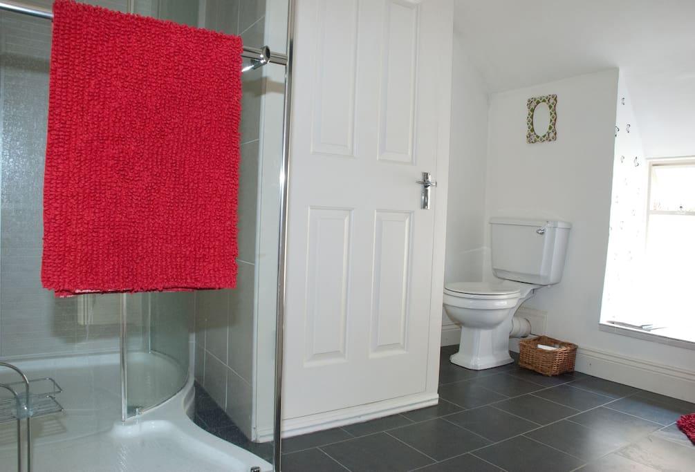 Top floor bathroom with Power Shower