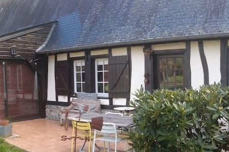 Longère normande au calme - Sainte-Croix-sur-Aizier - Casa