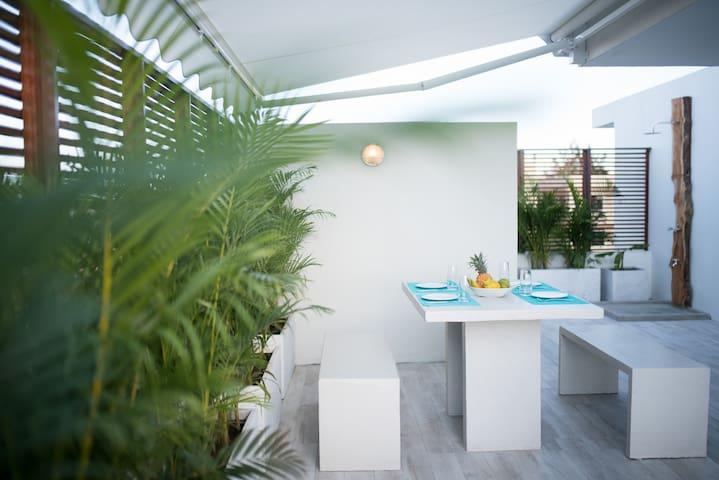 60 m² Terrace