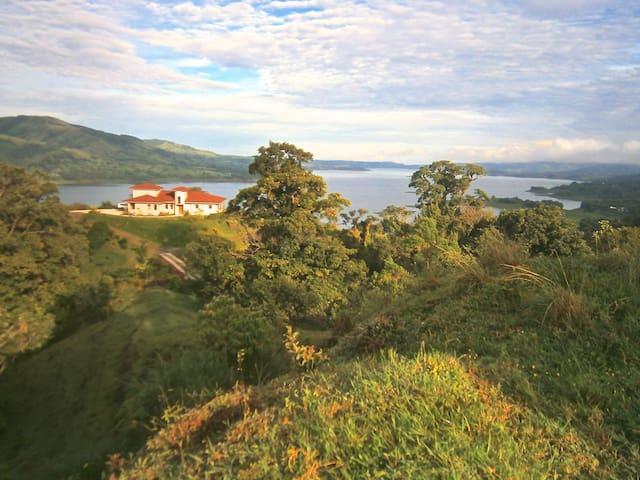 Villa Bella Verde #1 Lake View in Nuevo Arenal - Nuevo Arenal - Villa