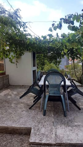 Apartment Maslina close to the beach (A3) - Arbanija - Apartament