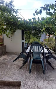 Apartment Maslina close to the beach (A3) - Arbanija