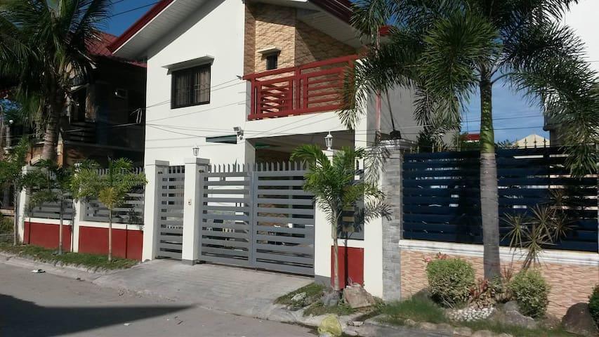 Tarlac City Home - Fairlane