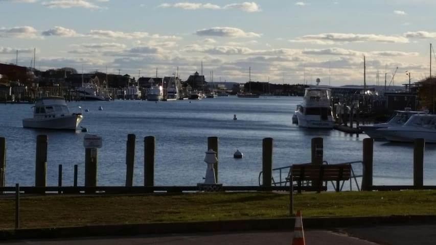 Harborwalk Condo (Cape Cod)