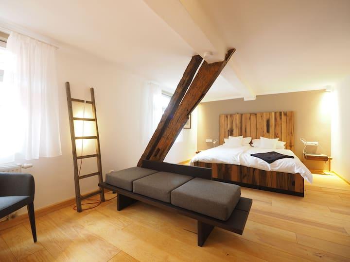 Gasthaus Schwanen, (Nehren), 4 Fachwerkzimmer, 27qm, 1 Schlafraum, max. 2 Personen
