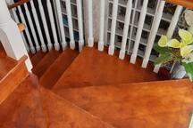 Escaleras del piso