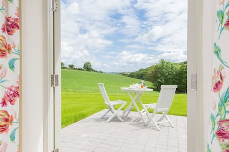 Double En-Suite with Stunning Views - Totnes - Bed & Breakfast